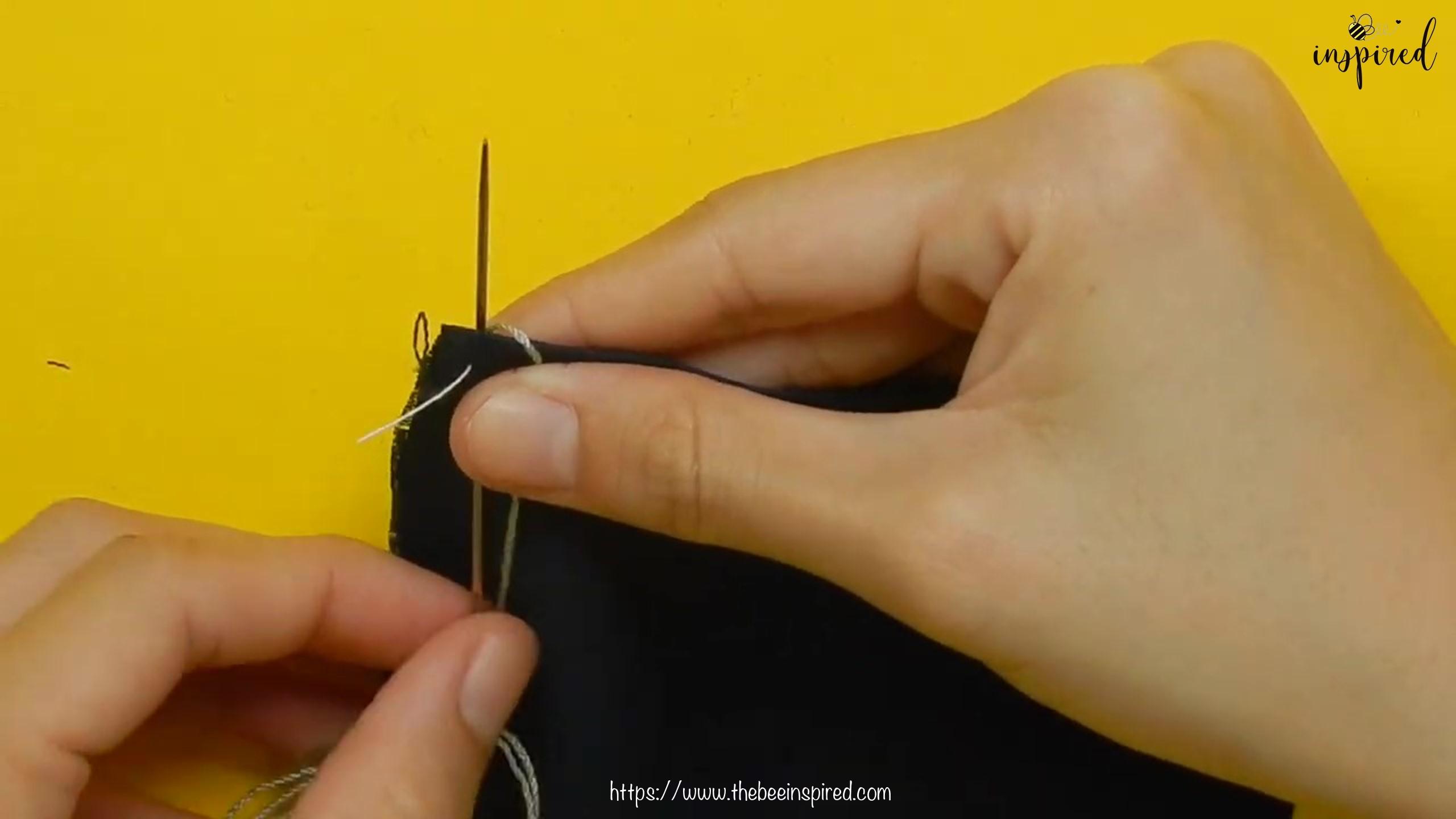 วิธีการเย็บลายปักริมผ้าห่ม (How to Sew a Blanket Stitch) _ วิธีเย็บเก็บริมผ้าโดยไม่ใช้จักรโพ้ง_19