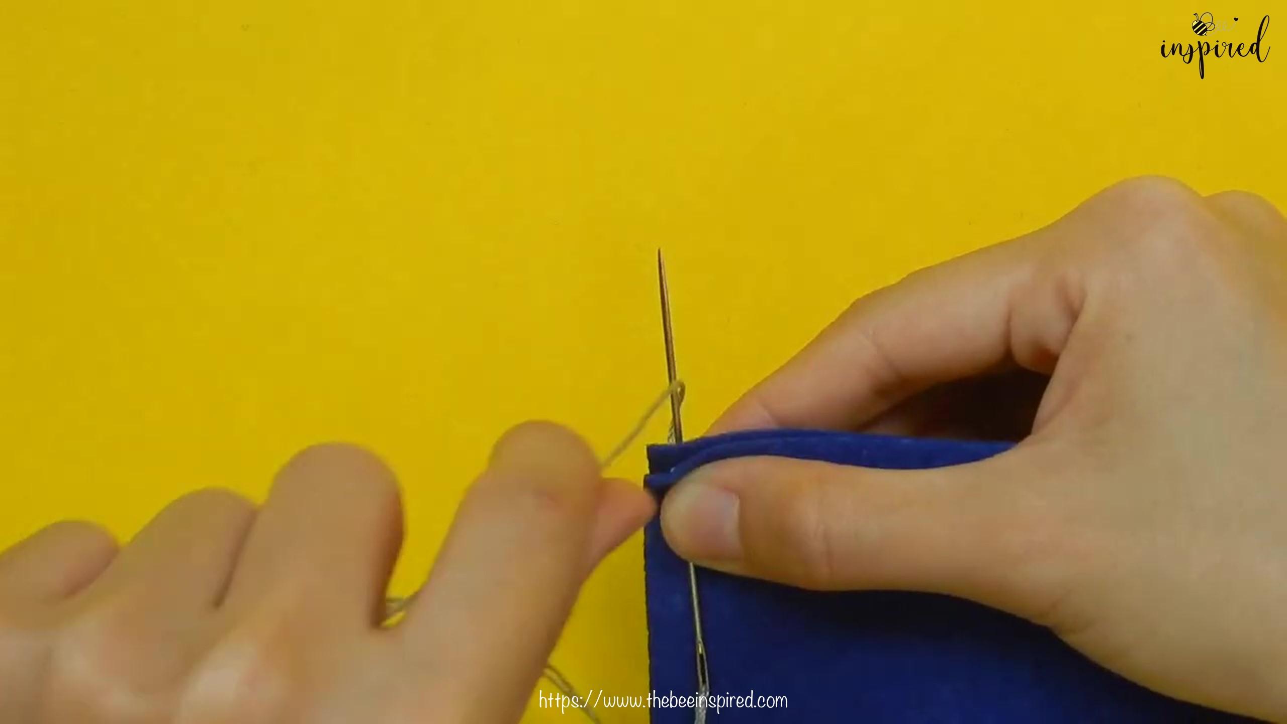 วิธีการเย็บลายปักริมผ้าห่ม (How to Sew a Blanket Stitch) _ วิธีเย็บเก็บริมผ้าโดยไม่ใช้จักรโพ้ง_6