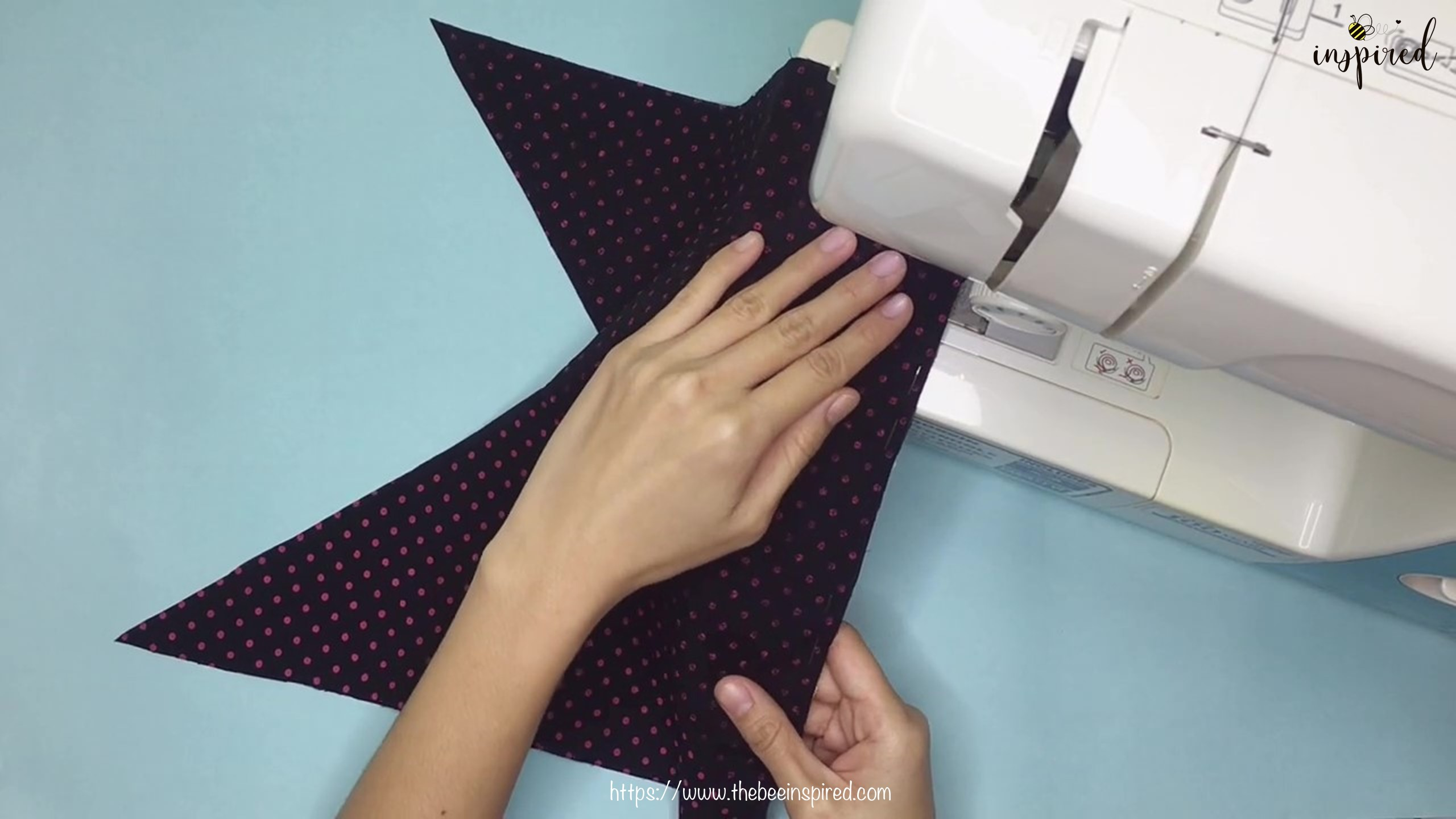 เทคนิคตัดและต่อผ้าเฉลียงที่ไม่ดูไม่ได้_ What is Fabric Grain & How to Make Continuous Bias Binding_4