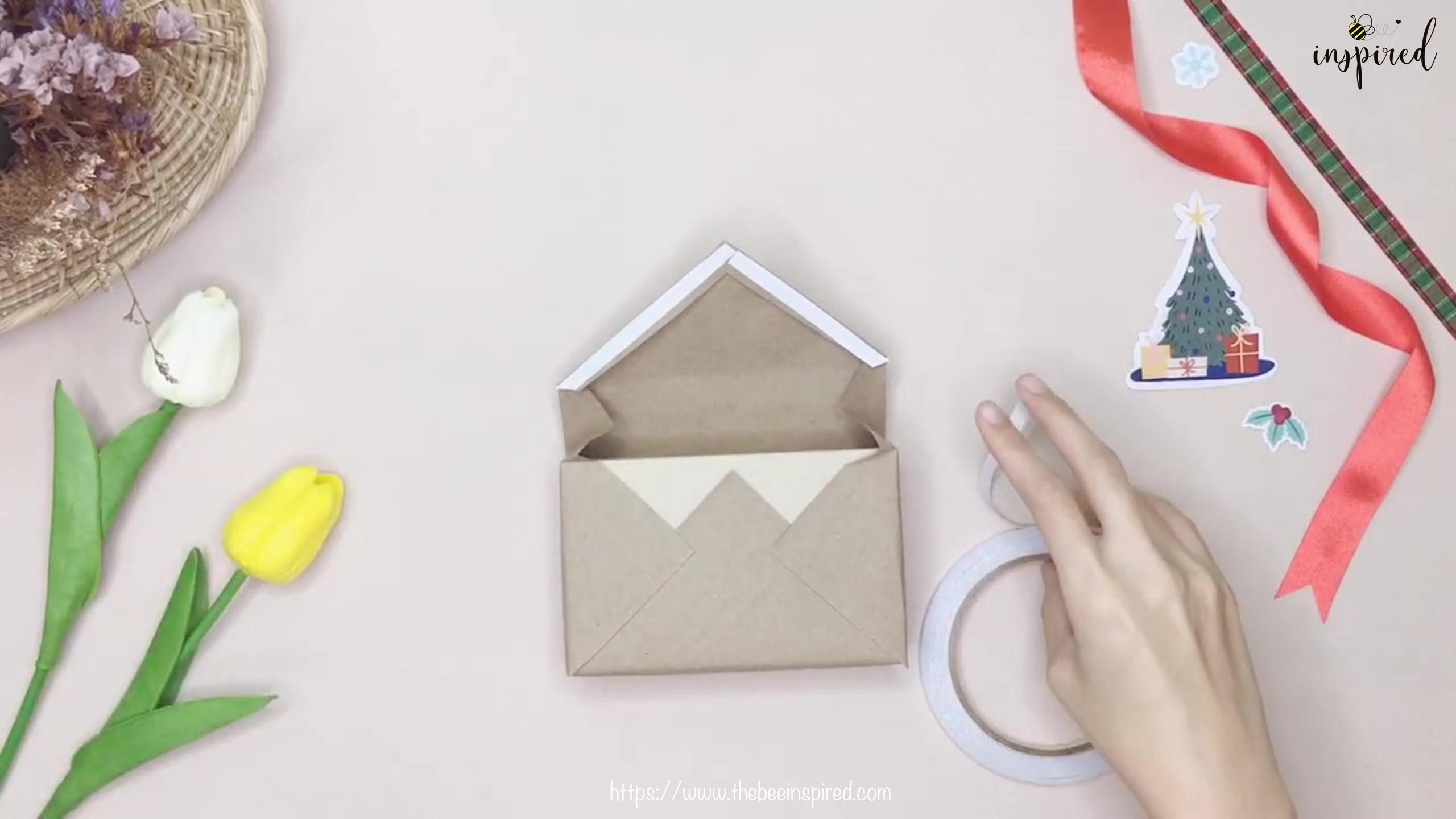 DIY วิธีห่อของขวัญวันวาเลนไทน์ วันปีใหม่ วันคริสมาส & วันเกิด แบบประหยัดกระดาษ_ Gift Wrapping Hack_16