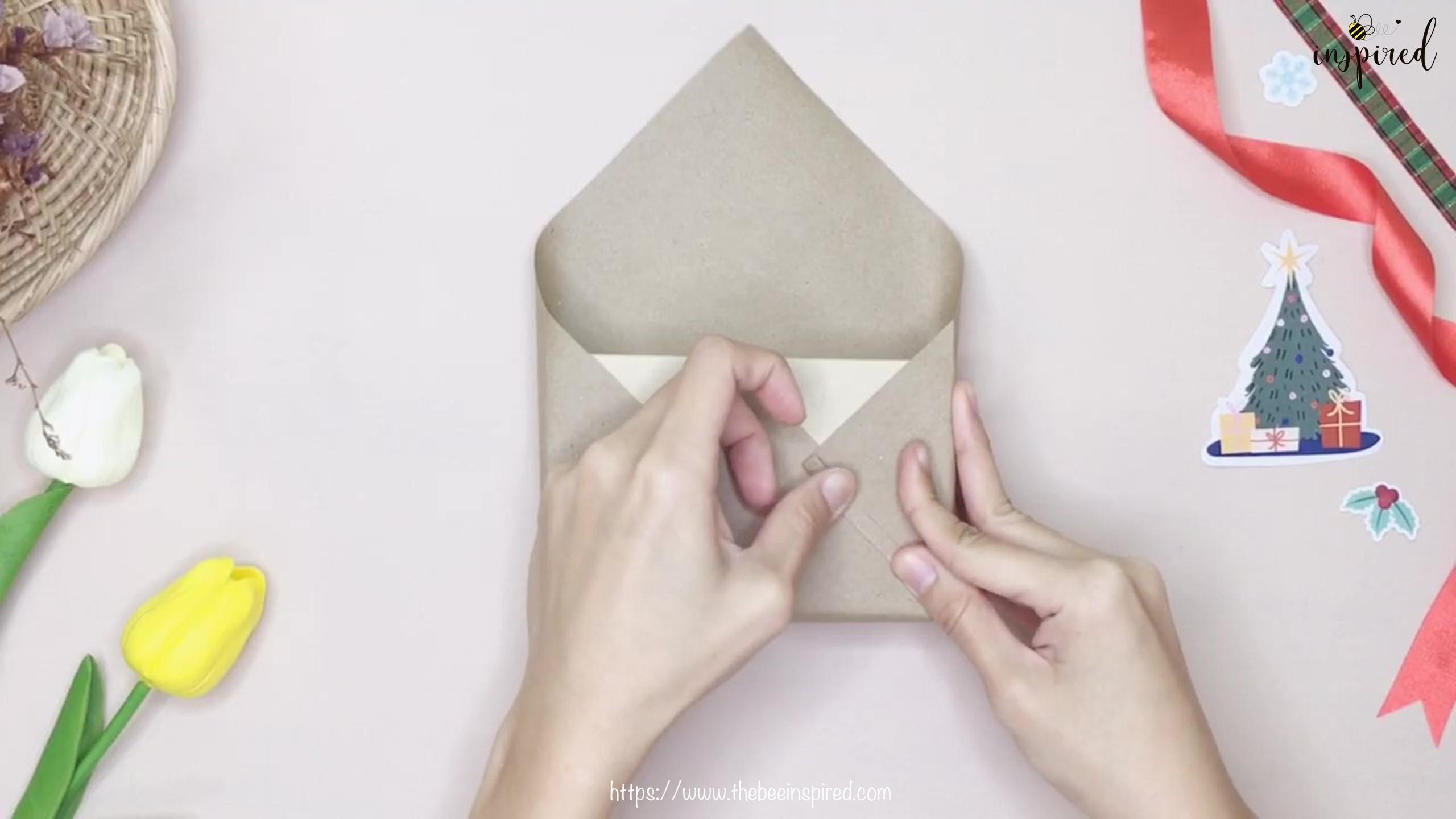 DIY วิธีห่อของขวัญวันวาเลนไทน์ วันปีใหม่ วันคริสมาส & วันเกิด แบบประหยัดกระดาษ_ Gift Wrapping Hack_7
