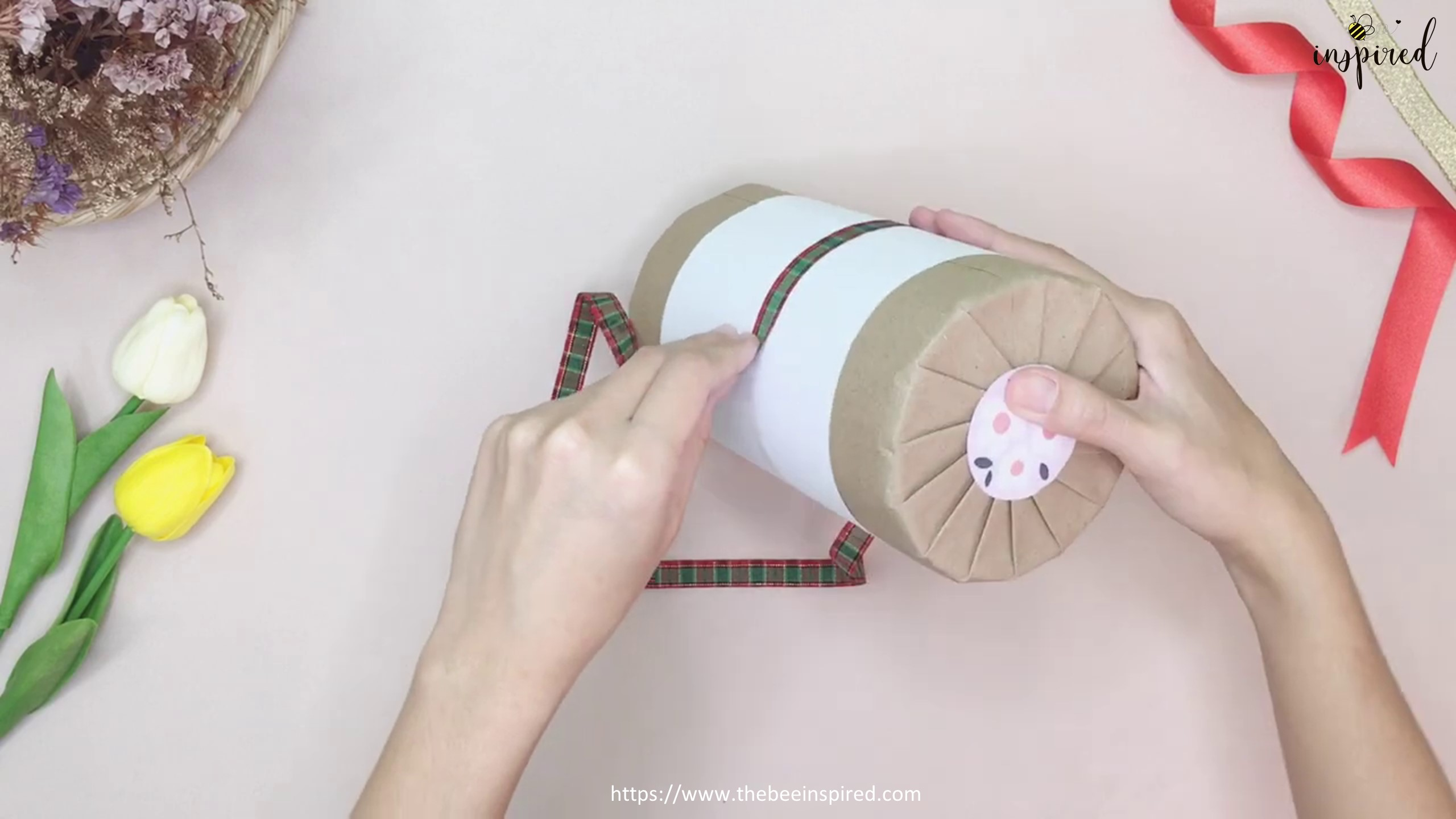 DIY Cylinder Gift Wrapping for Valentine_14