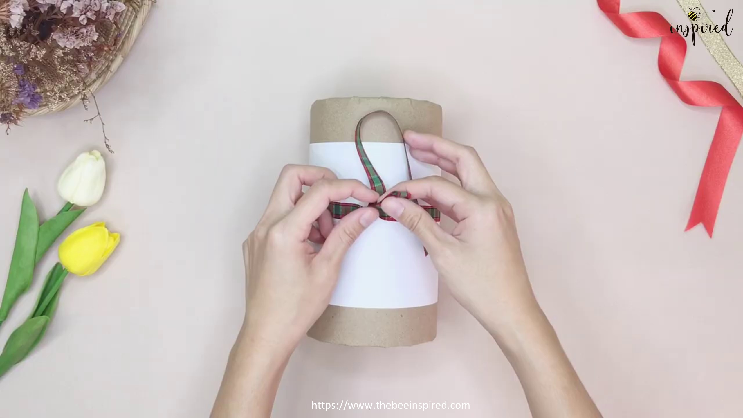 DIY Cylinder Gift Wrapping for Valentine_15