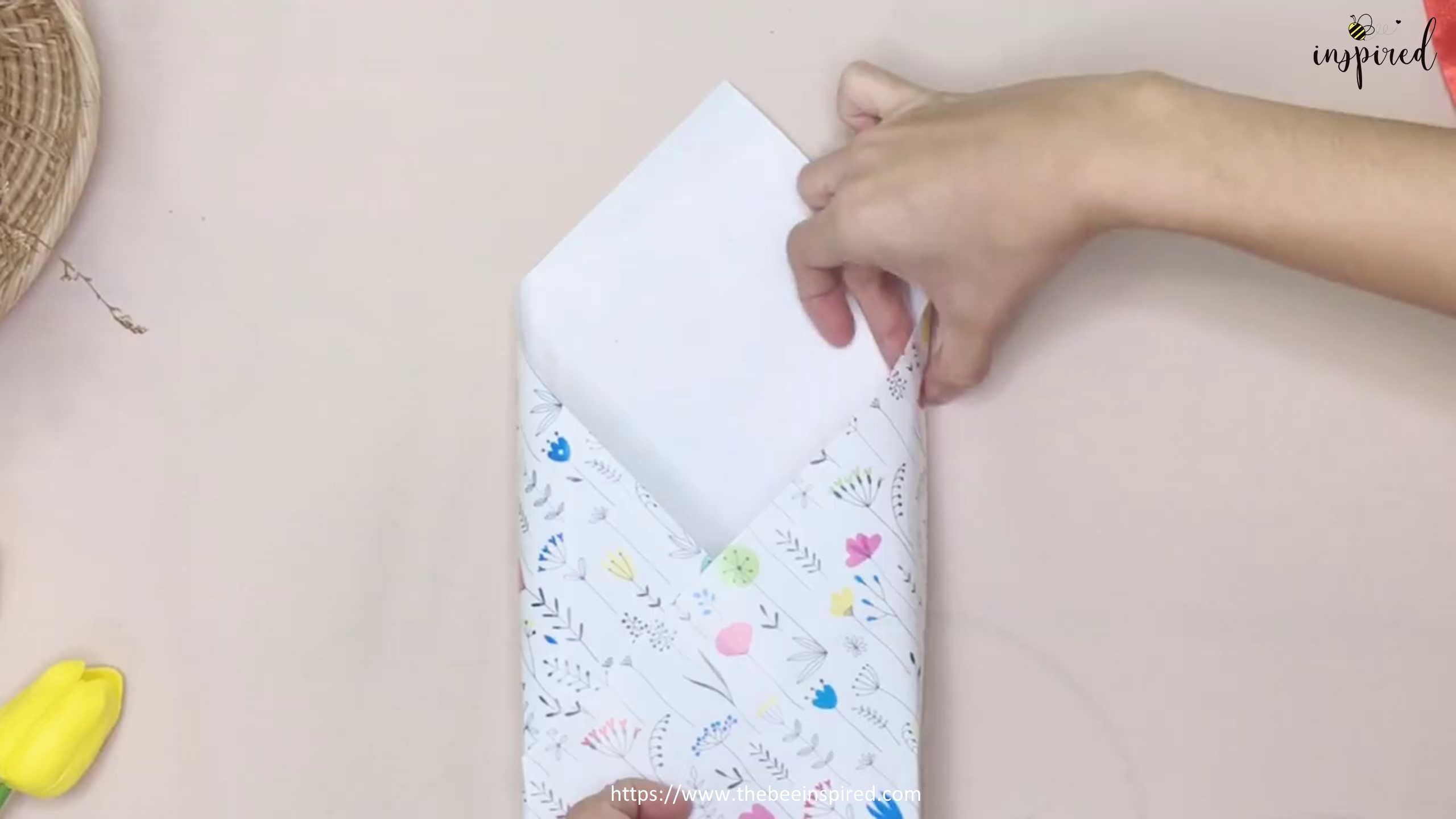 DIY Gift Wrapping for Valentine (No Tape)_9
