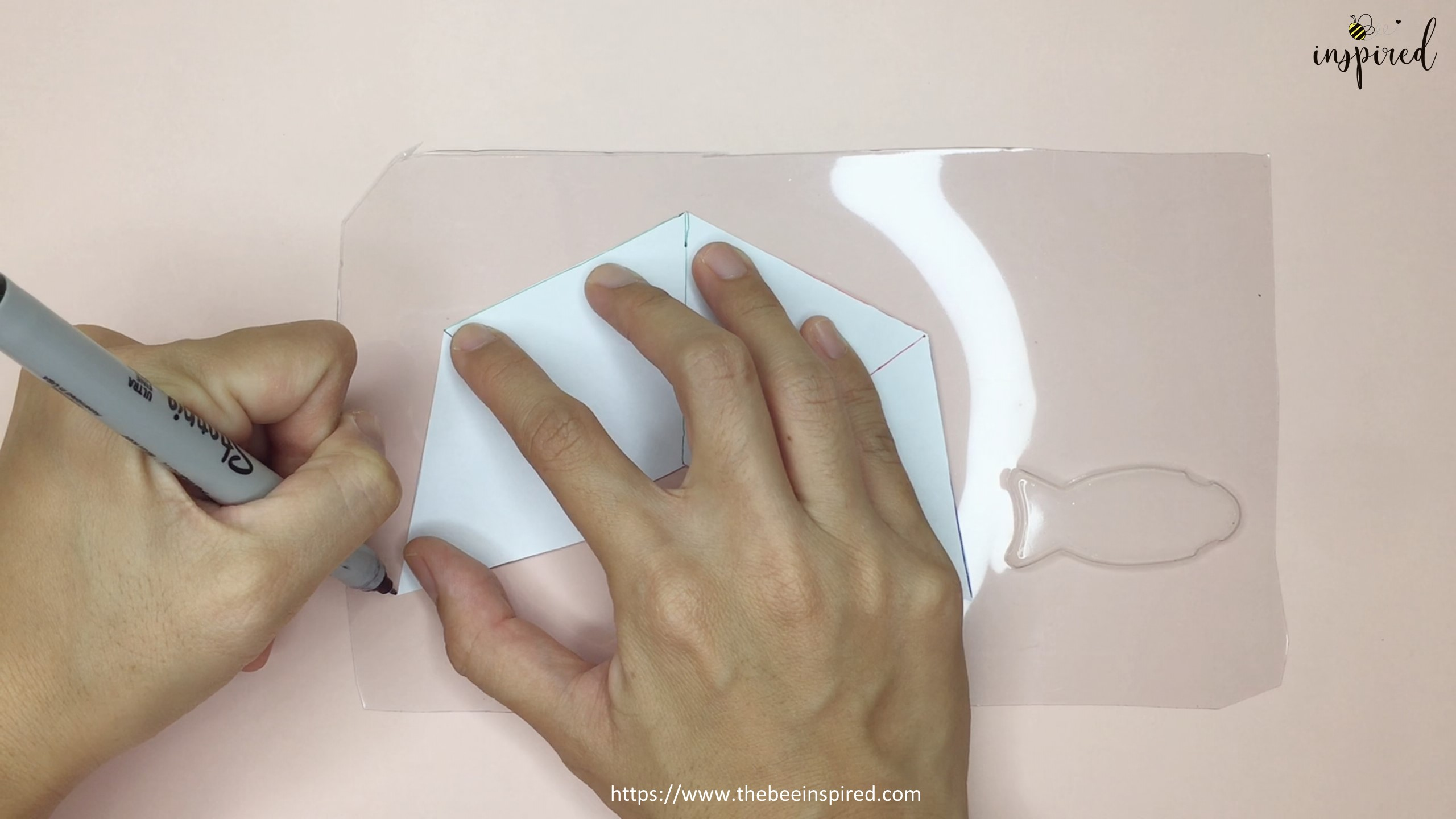 How To Make 3D Hologram Projector From Smartphone and Plastic Box_10