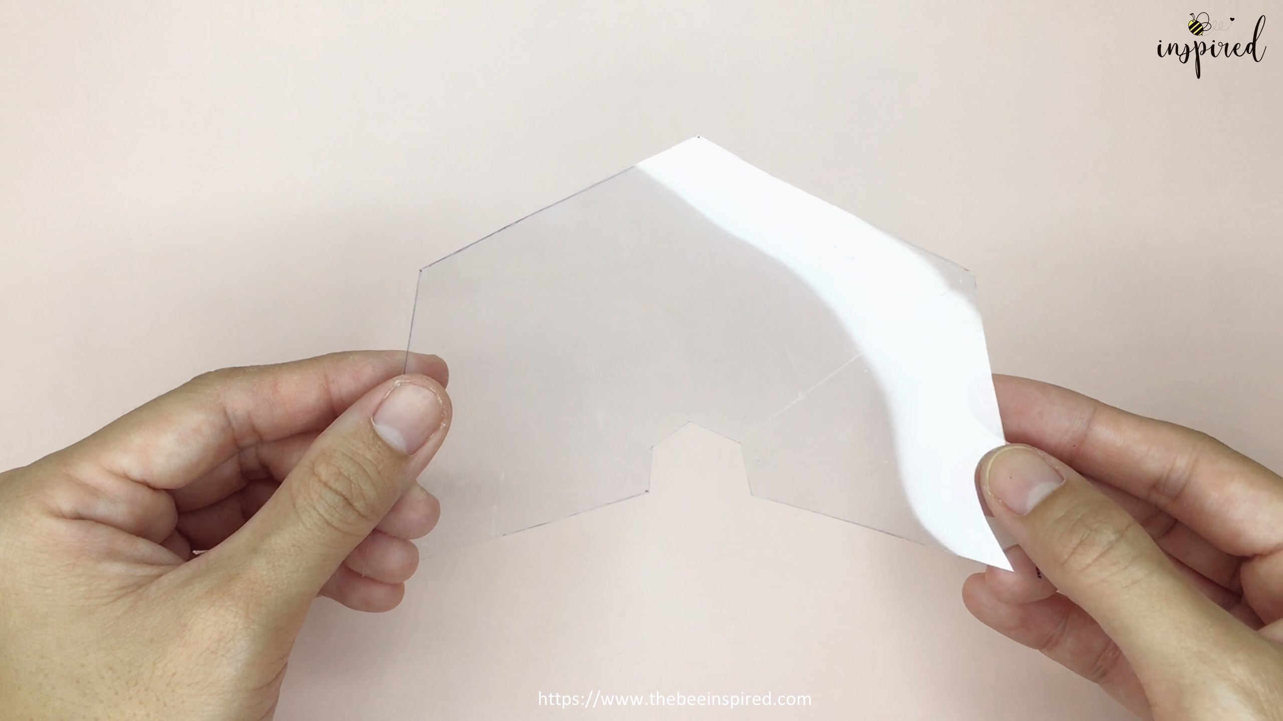How To Make 3D Hologram Projector From Smartphone and Plastic Box_11