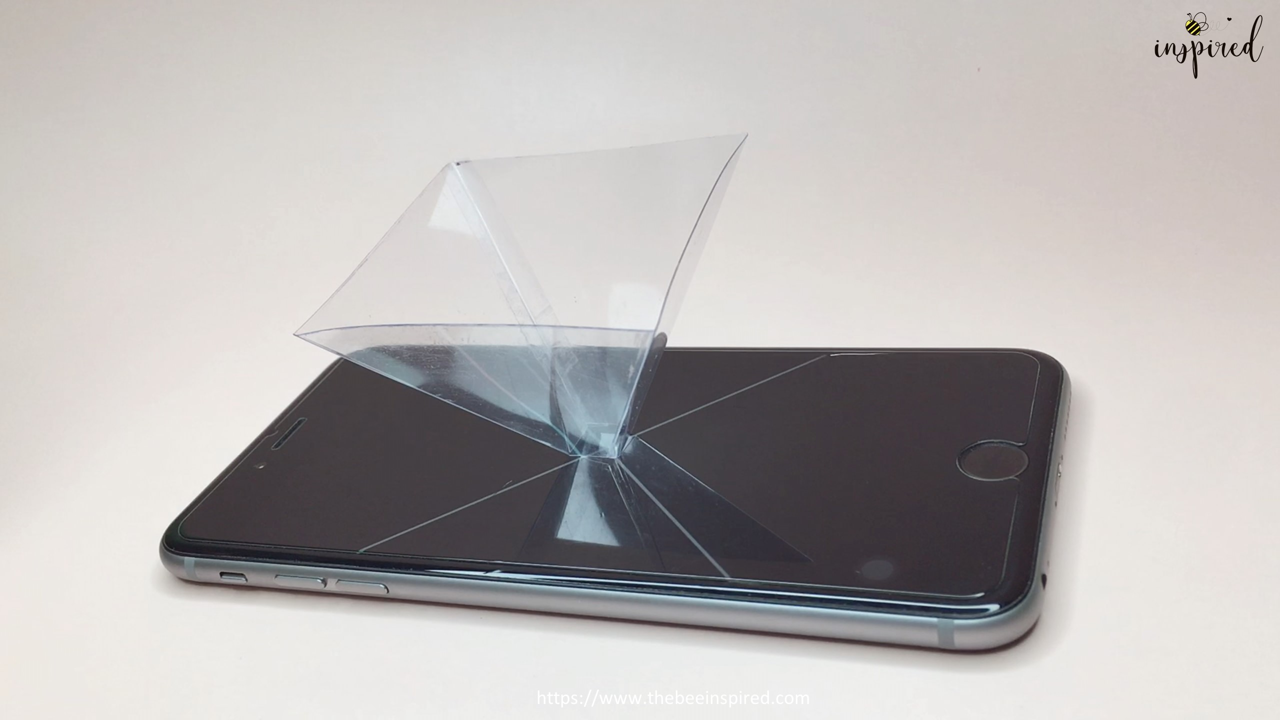 How To Make 3D Hologram Projector From Smartphone and Plastic Box_20