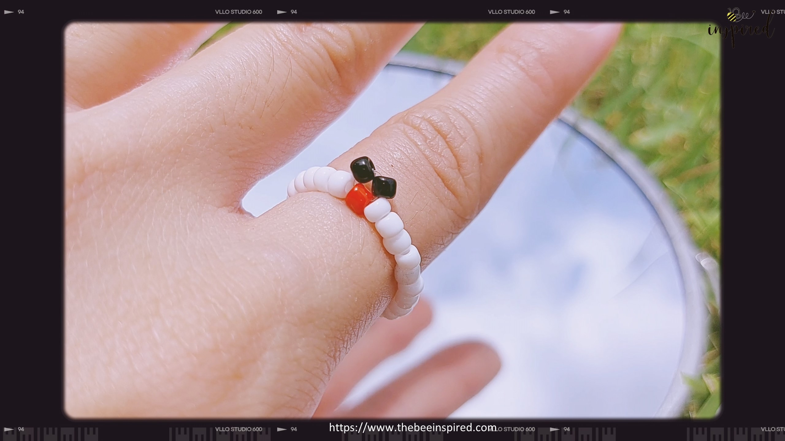 How to Make Mickey Mouse Beaded Ring_12